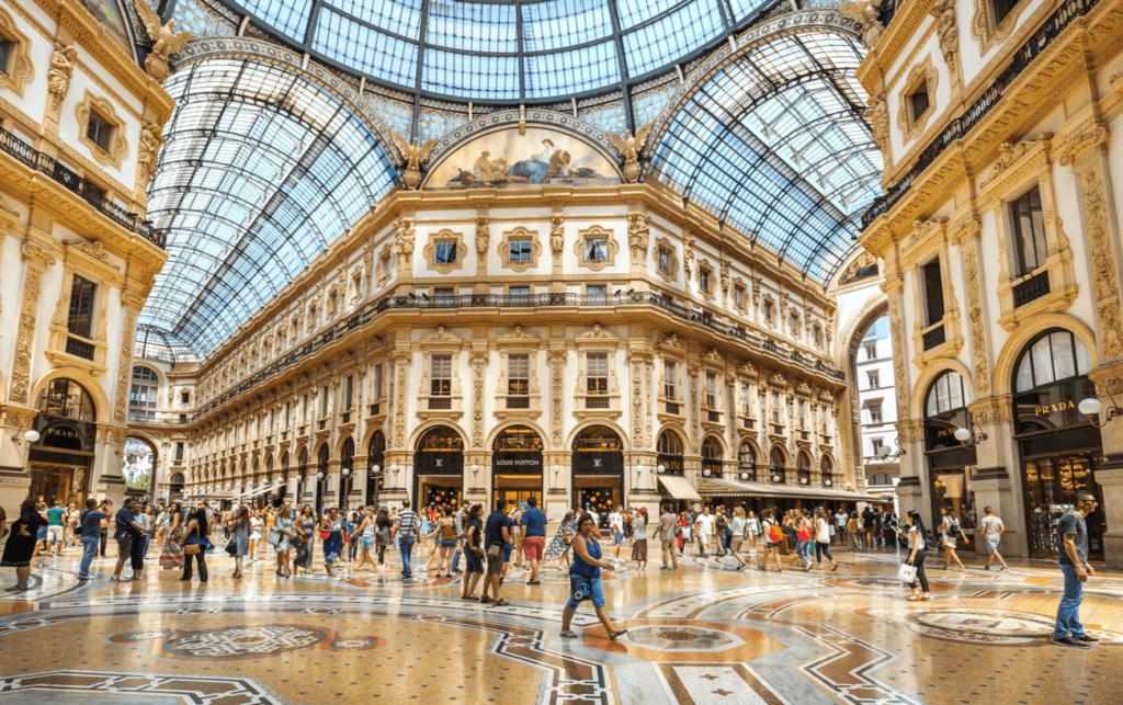 Galleria Vittorio Emanuele II Milano Italia